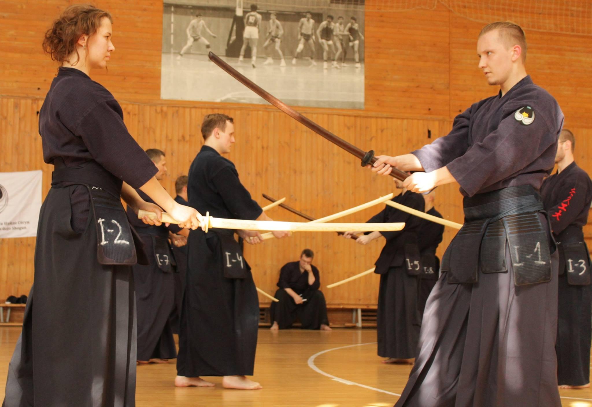 Поздравляем студентов, членов клуба кендо и иайдо «БауманКан», с успешной аттестацией по кендо