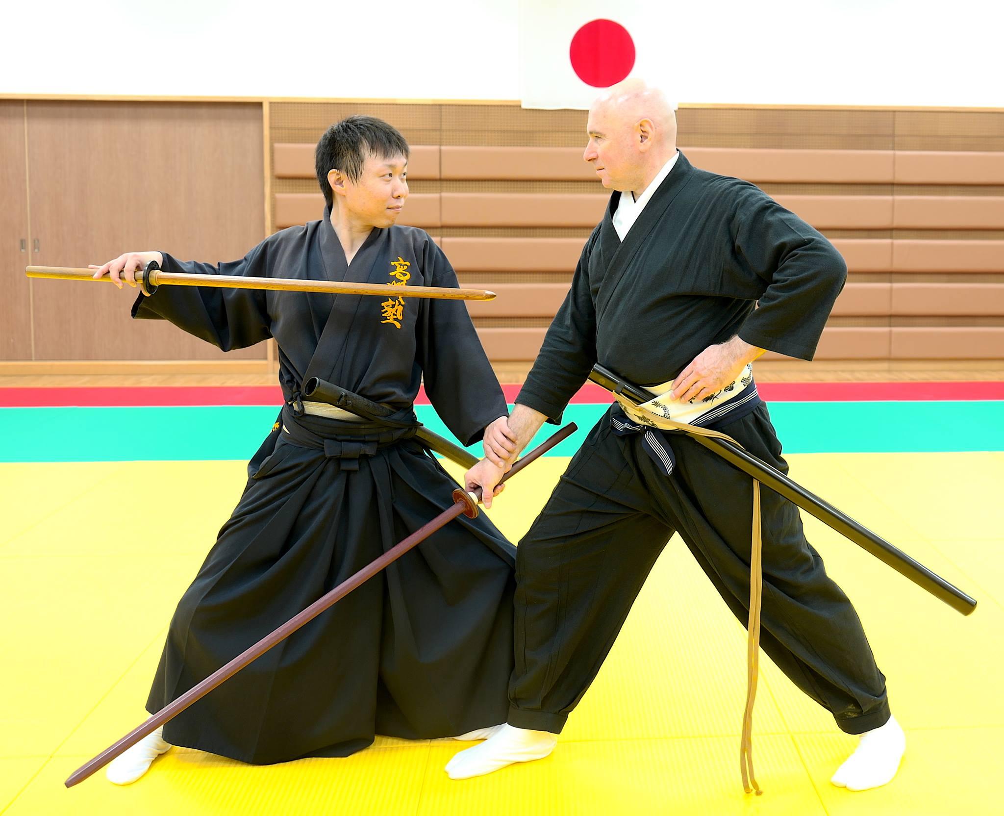 Иайдзюцу Кумитачи. Парная работа и фехтование японским клинком